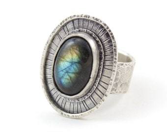 Stardust Ring - Labradorite gemstone statement ring - textured silver labradorite ring - size 9