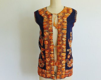 70s Bohemian VEST with heavy embroidery size small medium