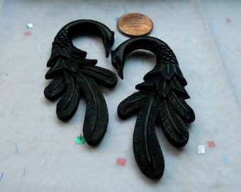2 Gauge Ear Plugs Four Feathers