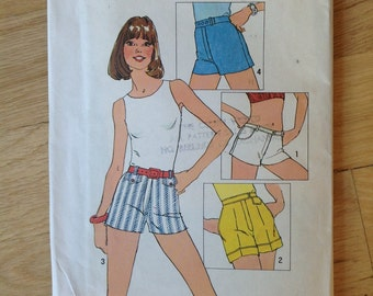 Vintage Simplicity 6946 One-yard Shorts • size 12