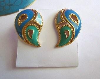 Vintage Avon Openwork Paisley Enamel Pierced Earrings