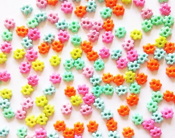 100 pcs - Tiny Flower Button - Size 6mm - Mix color