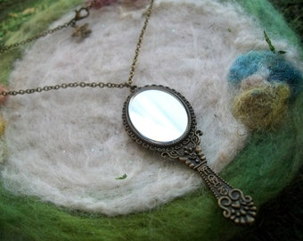 Mirror Necklace Bronze Filigree Simple Romantic Feminin Floral Vintage Style Necklace Beauty Mirror Pendant