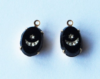 Vintage Antique Glass Oval Bead Pendant in Brass Settings 12x8mm Star & Moon Embedment Black