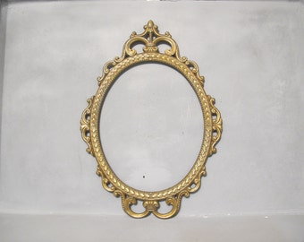 Large Ornate Photo Frame with Convex Glass / Aged Brass Finish Metal Frame, Antique Gold Vintage Oval Picture Frame Wedding Family Photo