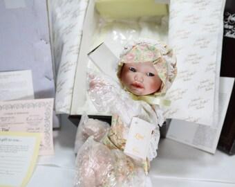 "1990 Ashton Drake Dolls Yolanda Bello Doll ""Lisa"" Porcelain Doll Edwin M. Knowles China Company COA MIB"