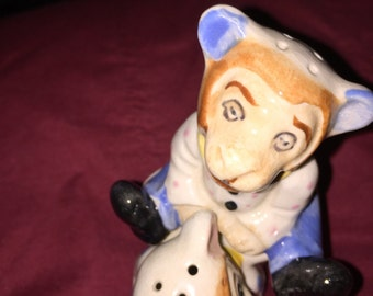 Vintage, 50's, monkey w/polka dots, salt & pepper shakers