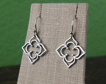 Petaled clover pendant earrings in sterling silver, architectural design, clover earrings, clover shaped, sterling silver earrings