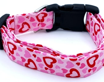 Spreading The Love Red and Pink Valentines Day Hearts on Light Pink Dog Collar