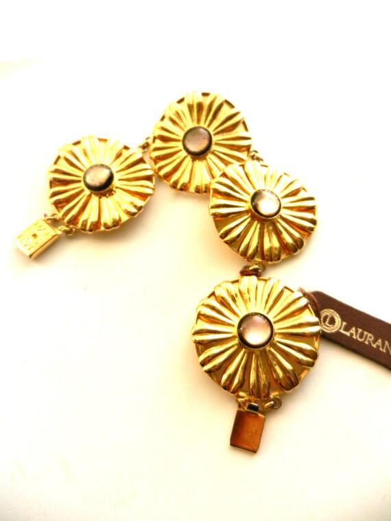 1970s Italian  high fashion 4 large flower links bracelet - splendid Art Glass cabochons  LAURANA signed bold bracelet -art.111/2 -