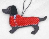 Dachshund Christmas ornament,Felt dog ornament,Dachshund decoration,Dog Christmas Ornament,Handmade felt Dachshund,Little felt dog. Otto.