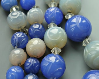 Art Nouveau Carved Chalcedony Bead Necklace