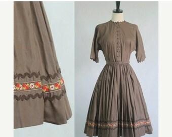 Vintage 1950s Dress 50s Dress Womens Patio Dress Full Skirt Dress 1950s Vintage Dress 50s Clothing Brown Cotton Dress Size Small Medium