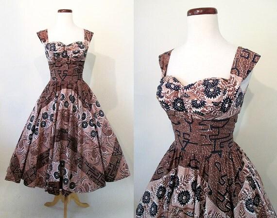"Hawaiian Delight 1950's Lovely Cotton Hawaiian Summer Dress w/ Shelf Bust by ""The Kahala"" Rockabilly VLV Tiki Oasis Pool Party Size-Small"