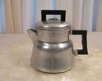 Wear-Ever Aluminum Coffee Pot / Percolator - 1940s Vintage - 2 Cup -  Great Condition - Travel - Camping - Dorm