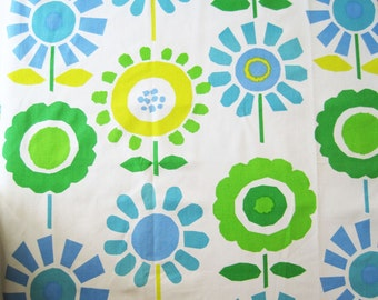 Vintage Thybony Decorator Floral Fabric Yardage Remnant Mod Sunflowers Green Blue Yellow Large Scale – 1 Yard 25""