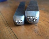 Custom listing for a skull Ring in size 9.5