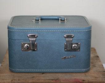 vintage train case by monarch