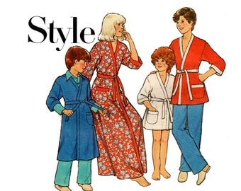 Style 2152 Girls Boys Robe Dressing Gown 70s Vintage Sewing Pattern Size Medium 8-10 UNCUT Factory Folds