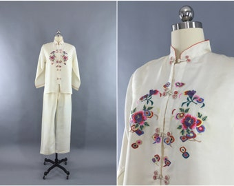Vintage 1940s Pajamas Set / 40s PJs / Art Deco Chinoiserie Loungewear / Embroidered Floral / Downton Abbey Gatsby