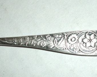 Vintage Button Shoe Hook.  Free Shipping.