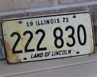 Vintage License Plate Illinois 1971 Metal Rustic Patina Decor Auto Car Tag Collectible Mancave Garage Decor
