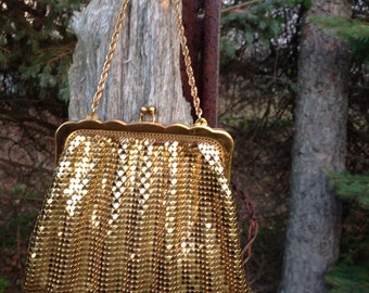 Vintage Whiting and Davis Meah Purse / Small Gold Tone Metal Mesh Purse / Whiting and Davis Mesh Bag / Made in U.S.A.
