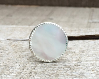 Beauty Boho Chic Luminescent White Mother of Pearl Ring in Serrated Bezel
