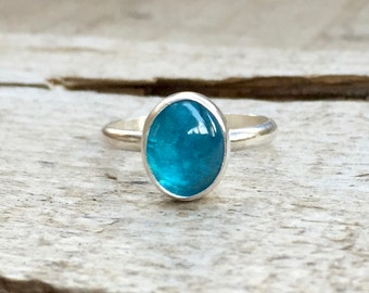 Elegant Minimalist Bright Neon Blue Oval Apatite Ring in Sterling Silver