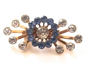 Rhinestone Brooch with White and Blue Gems, Vintage Gold Tone Ladies Pin (H4)