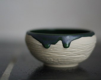 White green stoneware bowl