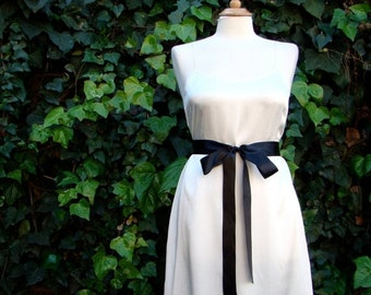 ON SALE Vintage / Off  White / SILK / Black Bow Tie / Small