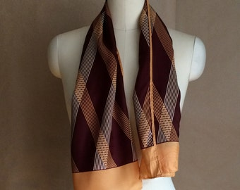 1940's vintage scarf / scarve / geometric pattern / hand stitched hem