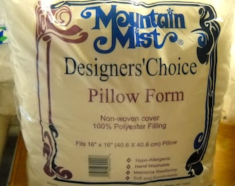 "Mountain Mist Designers' Choice Pillow Form 16""x16"""