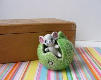 Vintage Retro Kitsch Mouse in Cabbage Toothpick Holder Japan