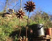 Set of 3 Rusty Metal Flowers for the Garden, Recycled, Scrap Metal Garden Art, Gift for the Garden, Outdoor Metal Sculpture