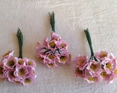 Vintage Millinery Flowers 3 Bouquets Roses / Hats Fascinator & Bouquets, Vintage Wedding Old New Stock