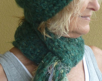 Green winter hat and scarf set, original and creative handcrafted hat and scarf, warm and comfortable winter accessories, women's fashions