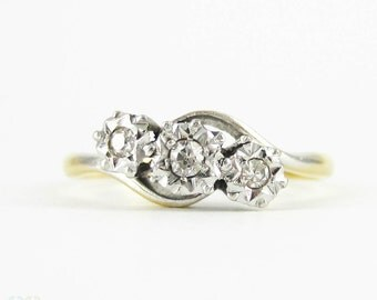 Vintage Diamond Three Stone Engagement Ring, Twist Style Trilogy Ring. Art Deco Diamond Ring. Circa 1930s, 18ct & Platinum.