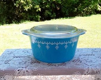 Vintage Pyrex 473 One-Quart Snowflake Garland Casseroles, Very Nice Condition.
