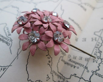 Pastel Pink Rhinestone Brooch-Dainty Flower Pin-1950's Garden Floral Brooch-Retro Wedding-Retro Metal Daisy Pin-Spring Costume Jewelry