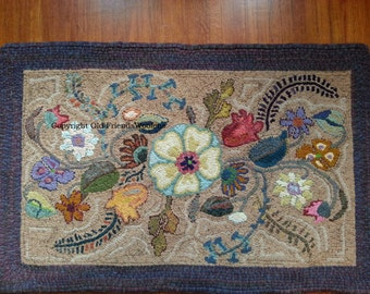 NEW PATTERN-Deco Garden hooked rug pattern on linen foundation