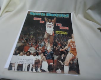 Vintage February 13, 1978 Sports Illustrated Magazine, High On The Hogs Sidney Moncrief Of No.2 Arkansas, collectable