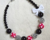 Girls' Pink Minnie Mouse Big Bead Chunky Bubble Gum Bead Necklace: Pink and Black Minnie Party Necklace