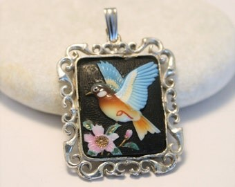 Vintage Japanese bird pendant. Sterling silver. Glass and enamel