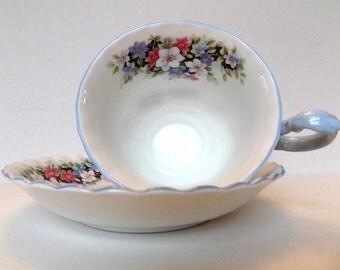 Royal Albert Tea Cup and Saucer / Bone China / England / Fragrance Series / Clematis