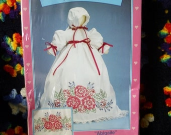 Boxed Homestead Pillowcase Doll Kit **