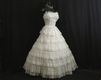Vintage 1950's 50s Bombshell STRAPLESS Ivory Tiered Chiffon Chantilly Lace Party Prom Wedding DRESS Gown