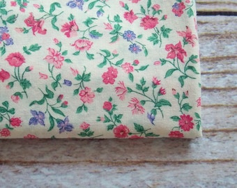 Vintage Fabric / Pretty Pink & Purple Floral Calico Print  / One Yard