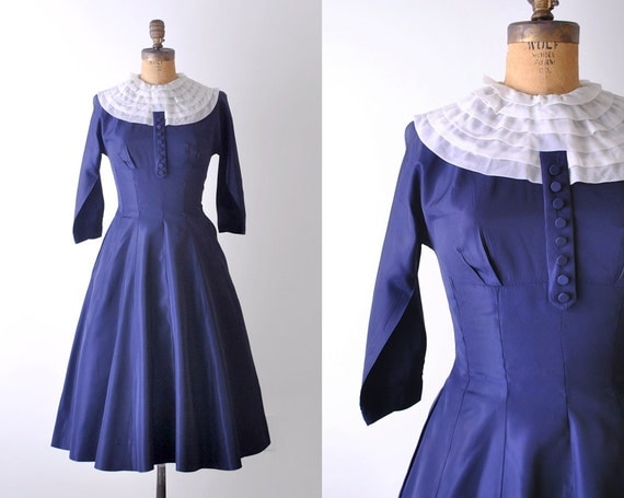 1950 vintage dress. 50's navy blue dress. s. taffeta. ruffled collar. white. 1950's full dress.